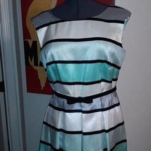 Awesome retro style dress